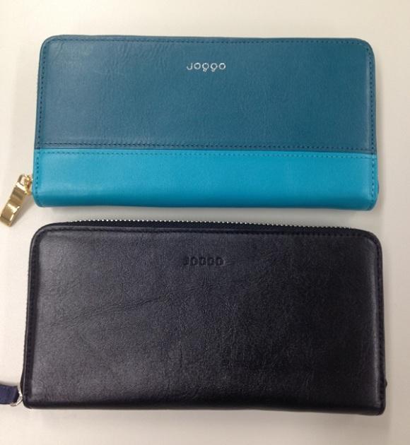 OGGOの本革財布