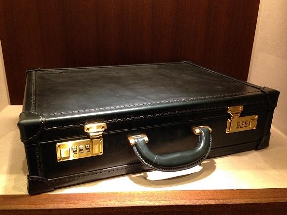 ココマイスター・ビジネスバッグ、アタッシュケース「ブライドル ロイヤルヘンリー」
