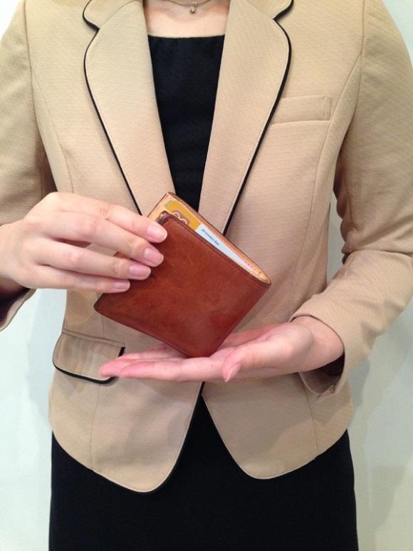 ココマイスター・社員の財布「マットーネマルチパース」