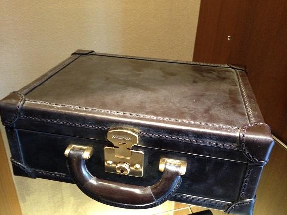 ココマイスター、ビジネスバッグ・アタッシュケース「ブライドル ロイヤルレガッタ」ロイヤルブラウン