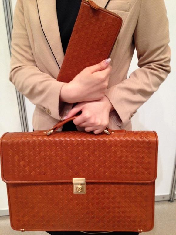 ココマイスターのビジネスバッグ「マットーネオリヴェートマイスター」と長財布「マットーネオーバーザウォレット」