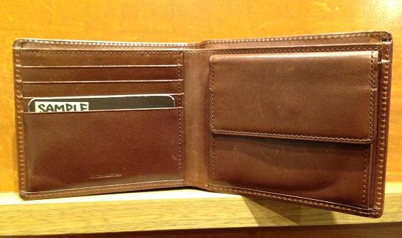 cocomeisterの二つ折財布「パティーナ二つ折り財布」内装部分