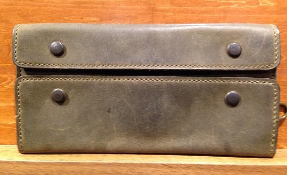 cocomeisterの長財布「ナポレオンカーフアレクサンダーウォレット」オリーブ