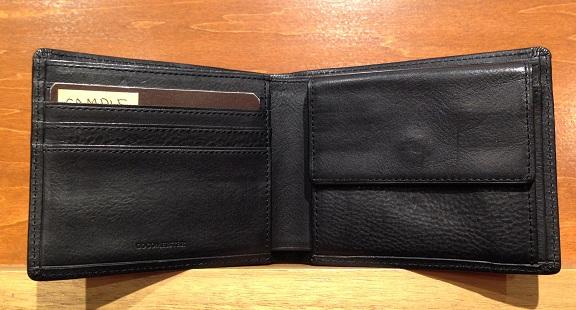 cocomeisterの二つ折り財布「マルティーニ アーバンパース」内装部分