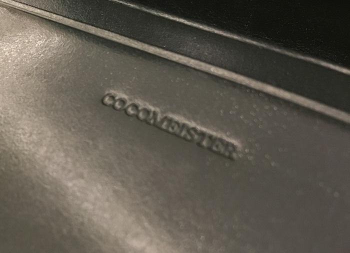 ココマイスターの名刺入れ・ジョージブライドル名刺入れのロゴ