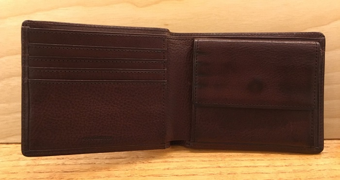 ココマイスターの二つ折り財布・マルティーニアーバンパースの内装