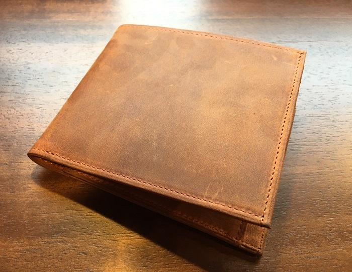 ココマイスターの二つ折り財布・ナポレオンカーフボナパルトパース(ブランデー)