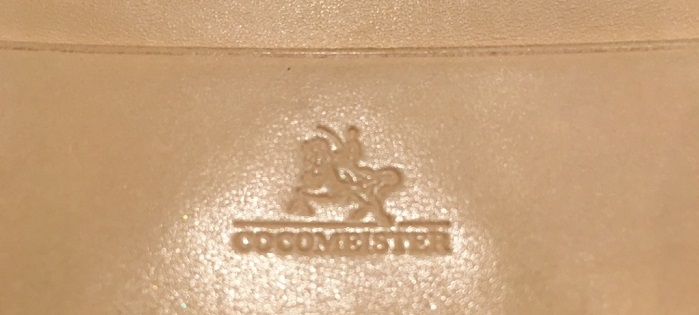 ココマイスターの名刺入れ・ブライドル名刺入れのロゴ
