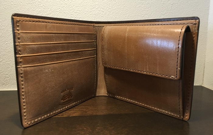 オークバークバットクーム(ココマイスターの二つ折り財布)の内装