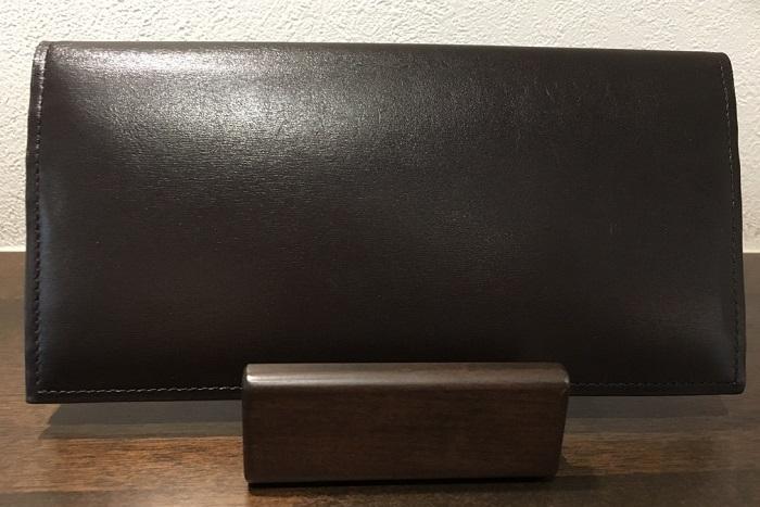 クリスペルカーフロシュウォレット(ダークブラウン)・ココマイスターの長財布