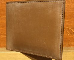 オークバークバットクーム・ココマイスターの二つ折り財布