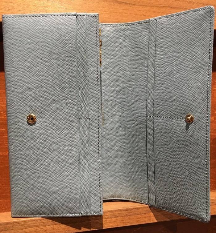 ココマイスターのレディース財布・テレーズシャルマンの内装部分