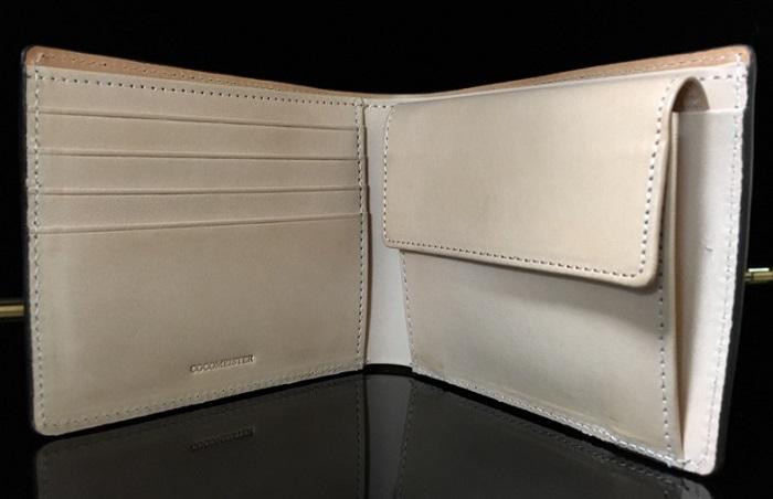 ココマイスターの二つ折り財布・マットーネマルチパースの内装