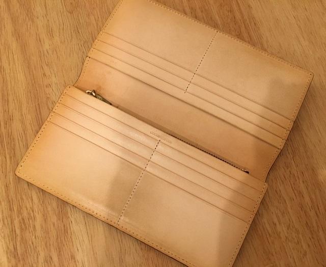 マットーネオリヴェートウォレットの内装・ココマイスターの長財布