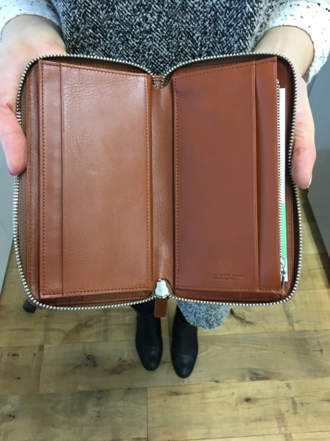 Business Leather Factoryの長財布の内装