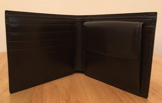ココマイスターの二つ折り財布・クリスペルカーフロシュパースの内部