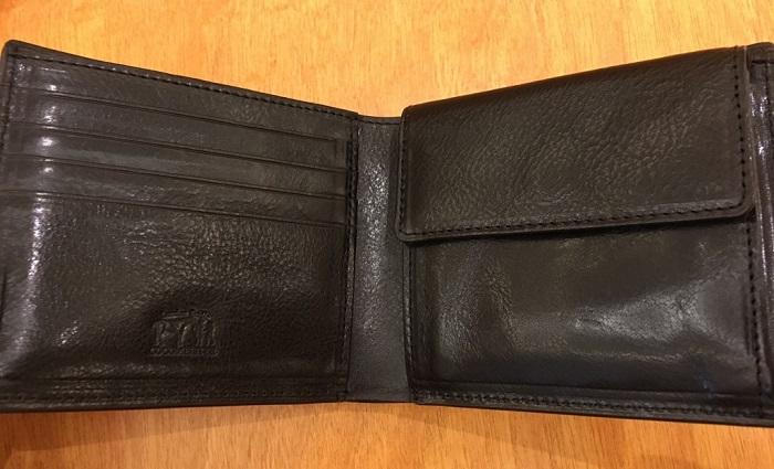 ココマイスターの二つ折り財布・ロンドンブライドル パースファントムの内装