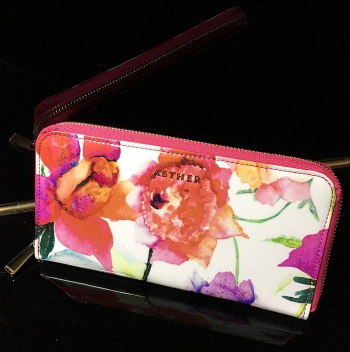 エーテル・AETHERの財布、エナメル本革ラウンドファスナー長財布 ピヴォワンヌ・ブーケ
