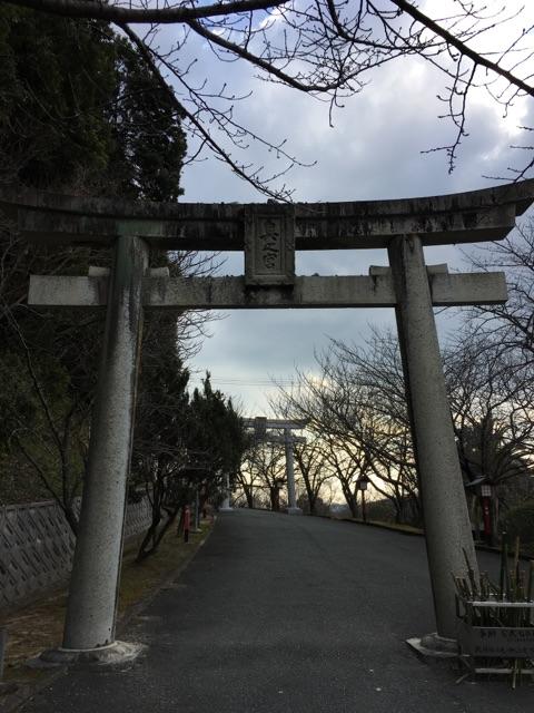 宮地嶽神社内の奥の宮八社巡りの鳥居