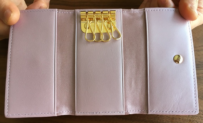 エーテル・AETHERのキーケース、ロゼ・プティの内装(キーリング)