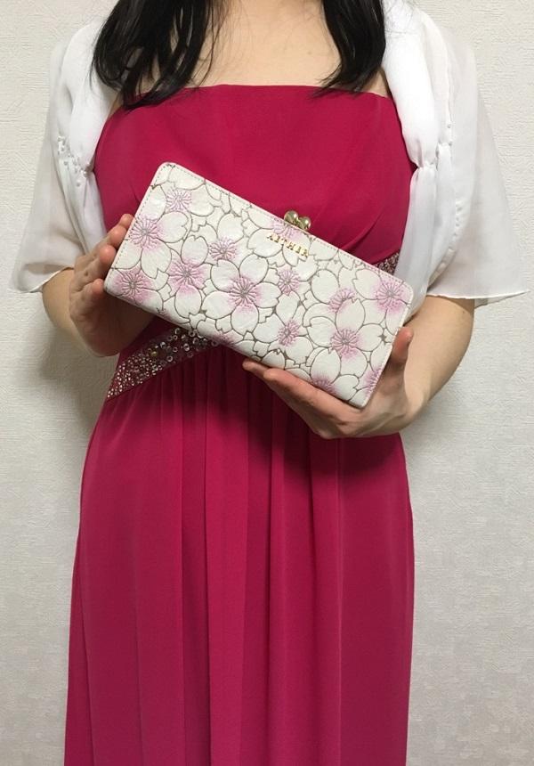 エーテル・AETHERの財布、サクラ・アネット