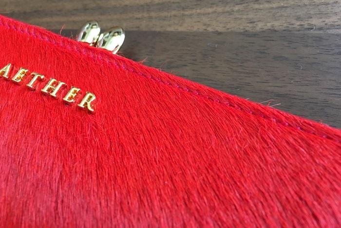 エーテル・AETHERの財布、ルージュ・アネットの毛並みの乱れ