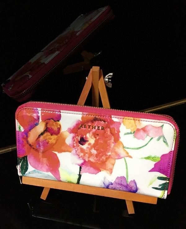エーテルの財布、ピヴォワンヌ・ブーケ