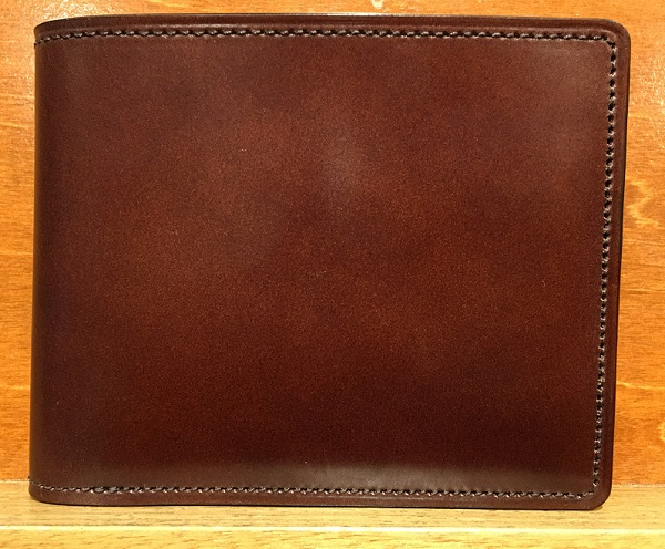 ココマイスターの二つ折り財布・マイスターコードバンラスティング