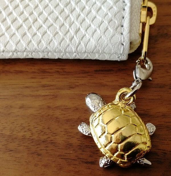 開運の白蛇財布の銭亀