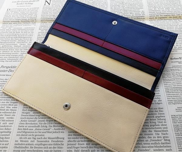 JOGGOのメンズバイカラ―長財布の内装