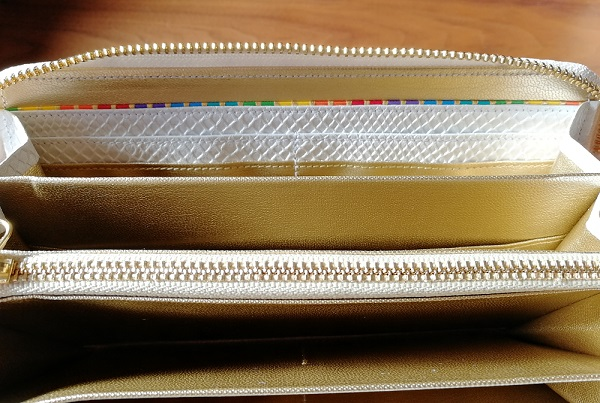 厄除け白蛇財布、白蛇七福財布の内装の七色の帯