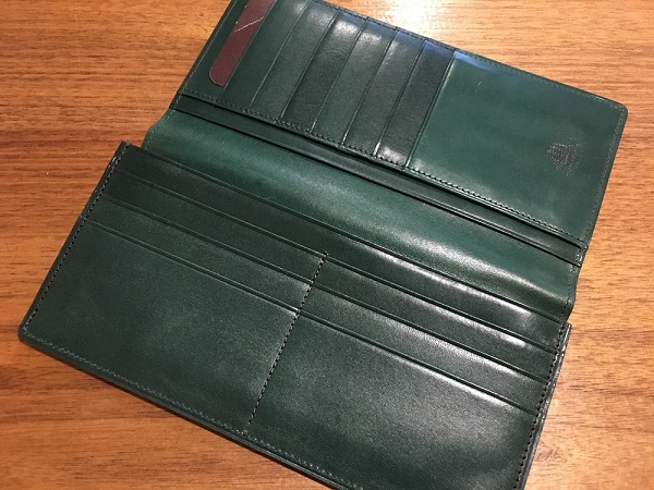 ココマイスターの長財布、プルキャラックカラブリア
