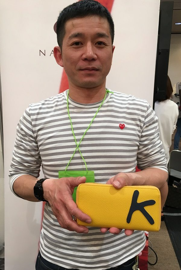 NAGATANI(ナガタニ)の社長・長谷圭祐氏と、長谷社長愛用のSAHO