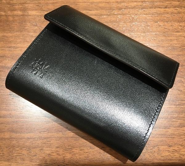 ココマイスターの三つ折り財布【カヴァレオカンガ】
