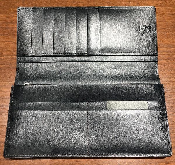 ココマイスターの長財布、カヴァレオキファルの内装