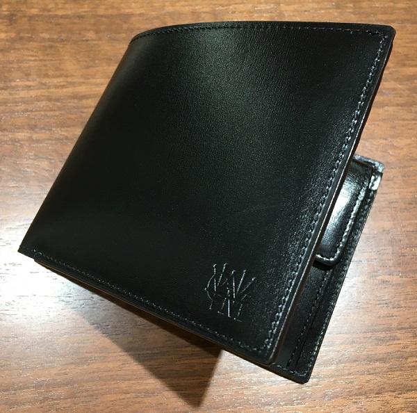 ココマイスターの二つ折り財布【カヴァレオヘローエ】