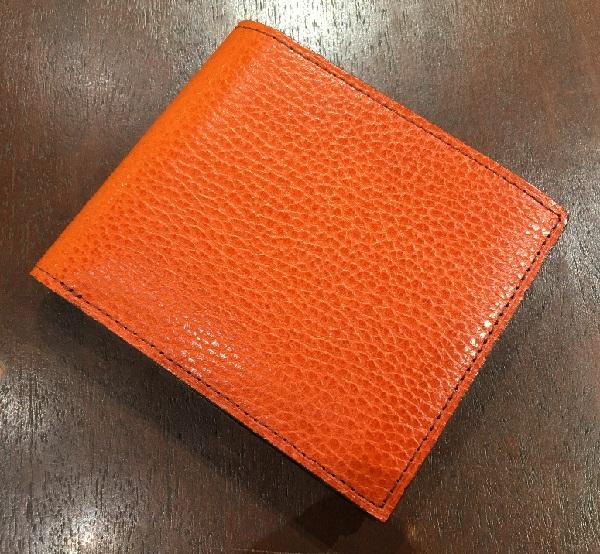ココマイスターの二つ折り財布【ロッソピエトラ二つ折り財布】