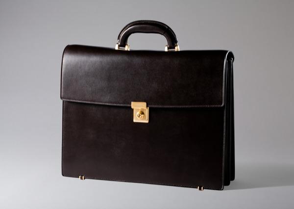 ココマイスターのビジネスバッグ『クリスペカーフ・ローゼハイム』