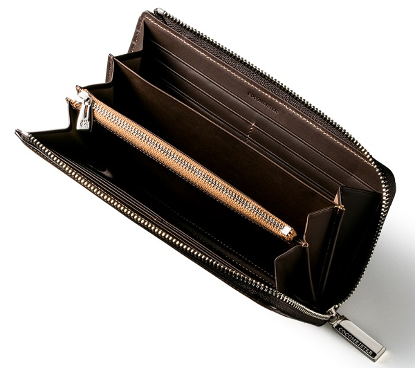 ココマイスターの長財布『ベテルギウスバイエルウォレット』の内装