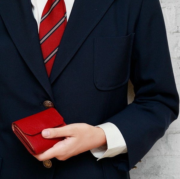 紛失防止タグの付いたLIFE POCKET(ライフポケット)の財布
